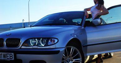 FEMEILE care PILOTEAZA BMW-URI